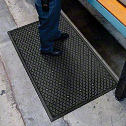 M + A Matting Traction Hog ll™ w/Holes